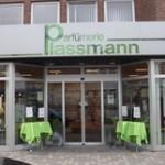 Außenansicht der Parfümerie Plassmann Heepen