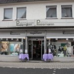 Außenansicht der Parfümerie Plassmann Löhne